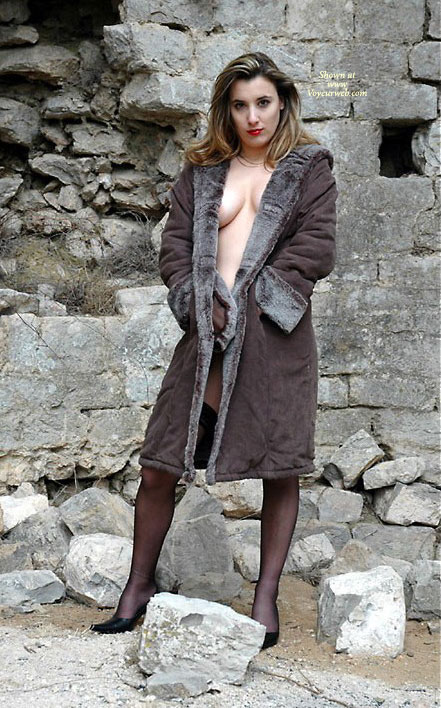 Heather Xibit , I'm Just A French Model Who Wants Some Comments About My Pics... Even The Dirts...