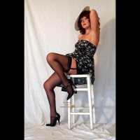 Onlyemma Plays At Being A Pin Up Again