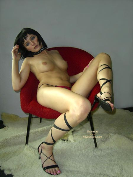 Pic #1 Girl In Chains