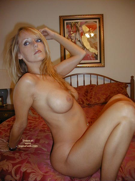 Playing Around , Playing Around, Bedroom Pic, Nude Blonde