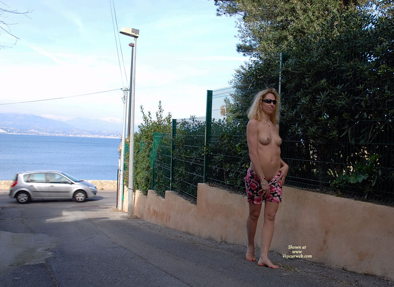 Topless And Flashing On A Side Street Near Traffic And The Ocean - Blonde Hair, Erect Nipples, Exhibitionist, Flashing, Milf, Nude Outdoors, Sunglasses, Topless, Naked Girl, Nude Amateur, Sexy Boobs , Bare Breasts, Walking In Alleyway, Walking Topless On Road, Public Strip While Walking, Slender White Body, Girl Removing Cloths, Milf Boobs, Walking Topless On Street